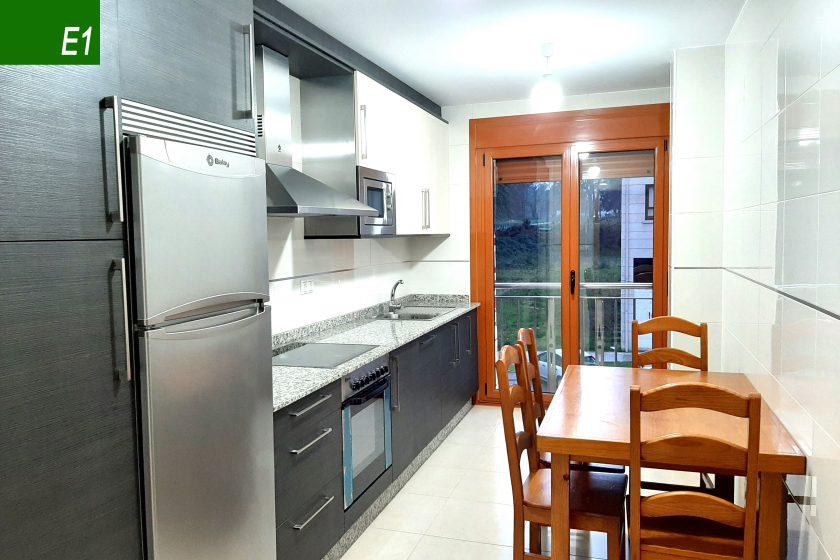 apartamento 6 personas silleda cocina e1