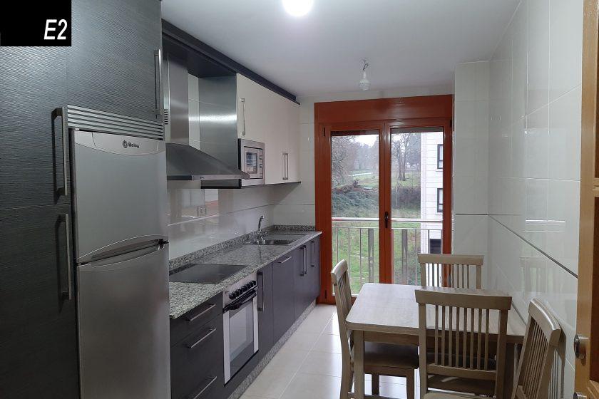 apartamento 6 personas silleda cocina e2